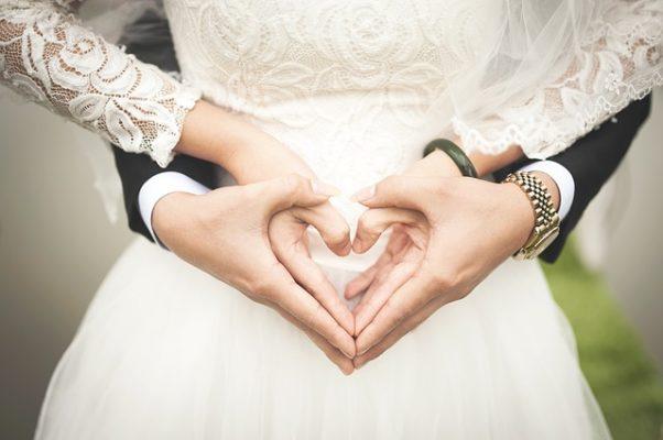 bruiloft vieren hart bruid bruidegom