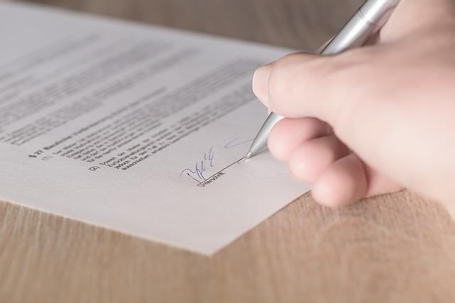 contract tekenen handtekening