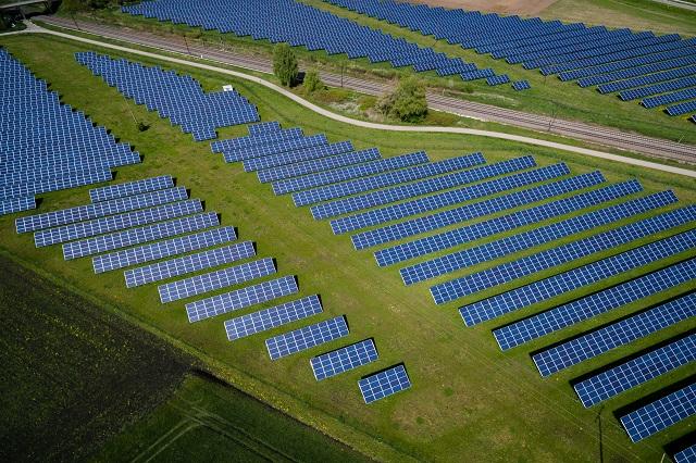 zonnepanelen zonnenpanelen energie besparen zon