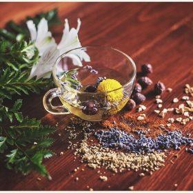 alternatieve geneeswijzen homeopathie kop thee
