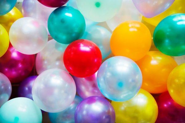 ballonnen vieren feestje vieren